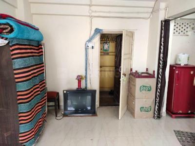 Gallery Cover Image of 325 Sq.ft 1 RK Apartment for rent in Chatrapati Shivaji Raje Complex, Kandivali West for 10000