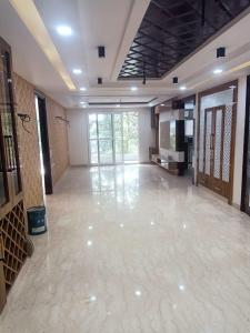 Gallery Cover Image of 2500 Sq.ft 3 BHK Independent Floor for buy in DLF Phase 4 for 26000000