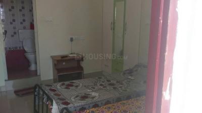 Bedroom Image of Vasanth PG in Sholinganallur