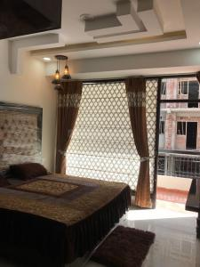 Gallery Cover Image of 1870 Sq.ft 4 BHK Independent Floor for buy in Sector 20 for 4600000