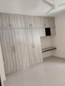 Gallery Cover Image of 1600 Sq.ft 3 BHK Apartment for rent in Kukatpally for 26000