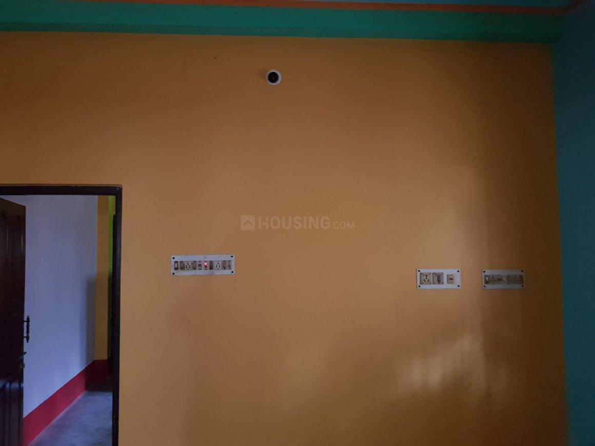 Living Room Image of 1000 Sq.ft 2 BHK Independent Floor for rent in Thakurpukur for 8000