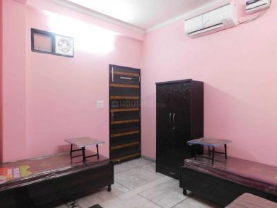 Bedroom Image of Heritage Rooms PG in Mukherjee Nagar