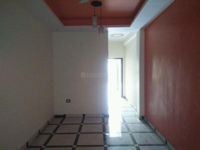 Gallery Cover Image of 750 Sq.ft 2 BHK Apartment for buy in DLF Ankur Vihar for 2075000