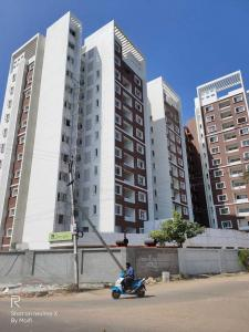 Gallery Cover Image of 1049 Sq.ft 2 BHK Apartment for buy in Ambattur for 5000000