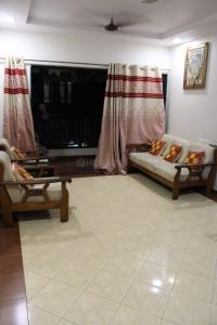 Gallery Cover Image of 1125 Sq.ft 2 BHK Apartment for buy in Vishwanath Sharanam 2, Satellite for 6999000