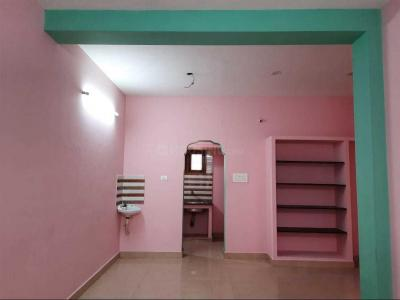 Gallery Cover Image of 820 Sq.ft 2 BHK Independent Floor for rent in Ramapuram for 13000