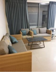 Gallery Cover Image of 1295 Sq.ft 2 BHK Apartment for rent in Shela for 22500