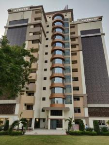 Gallery Cover Image of 1714 Sq.ft 3 BHK Apartment for buy in Aliganj for 6085000