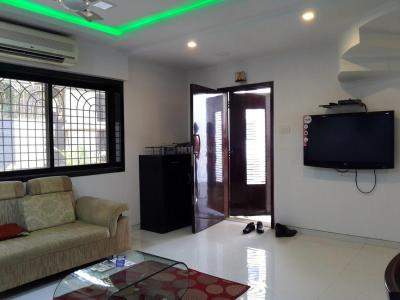 Gallery Cover Image of 1550 Sq.ft 3 BHK Independent House for buy in Malad East for 45000000