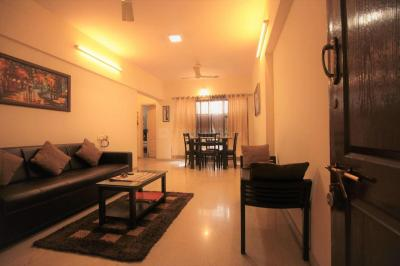 Gallery Cover Image of 1011 Sq.ft 2 BHK Apartment for rent in Bandra West for 82000