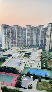 Gallery Cover Image of 960 Sq.ft 2 BHK Apartment for buy in Nahar Laurel and Lilac, Powai for 16200000