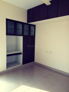 Gallery Cover Image of 1215 Sq.ft 3 BHK Apartment for rent in Maduravoyal for 23500
