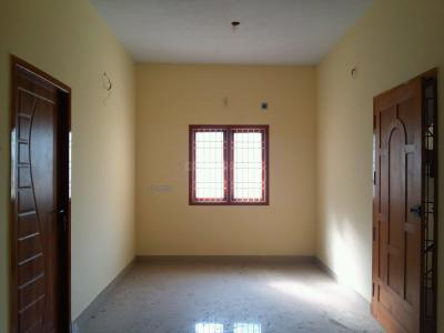 Gallery Cover Image of 915 Sq.ft 2 BHK Apartment for buy in Arumbakkam for 7320000