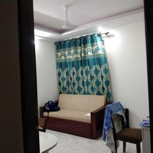 Gallery Cover Image of 950 Sq.ft 2 BHK Independent Floor for buy in Sector 14 for 6800000