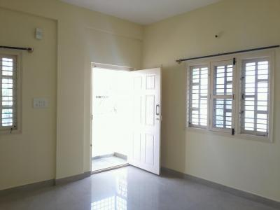 Gallery Cover Image of 950 Sq.ft 2 BHK Apartment for rent in Kadubeesanahalli for 16500