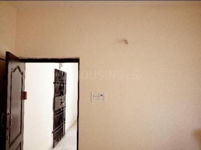 Gallery Cover Image of 900 Sq.ft 2 BHK Apartment for rent in Kattankulathur for 11000