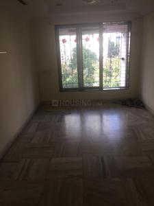 Gallery Cover Image of 650 Sq.ft 2 BHK Apartment for rent in Bandra West for 65000