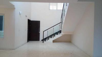 Gallery Cover Image of 4818 Sq.ft 5 BHK Apartment for rent in Anna Nagar West for 150000