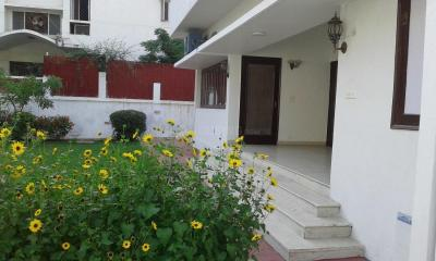 Gallery Cover Image of 4400 Sq.ft 6 BHK Independent House for buy in Vasant Vihar for 270000000