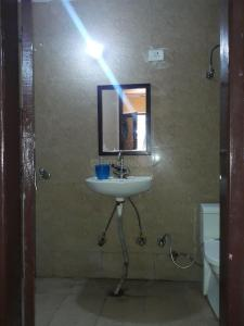 Bathroom Image of Prashant Homez PG in Sector 66