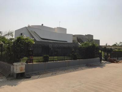 Gallery Cover Image of 15000 Sq.ft 4 BHK Independent House for buy in Shree Balaji Green Valley, Adalaj for 75000000