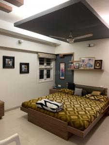 Gallery Cover Image of 2471 Sq.ft 3 BHK Apartment for buy in Memnagar for 12500000