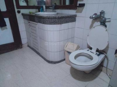 Bathroom Image of Rakesh PG in Preet Vihar