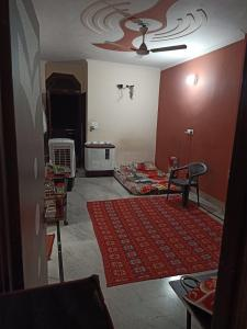 Gallery Cover Image of 450 Sq.ft 1 BHK Apartment for rent in Madhu Vihar for 7000