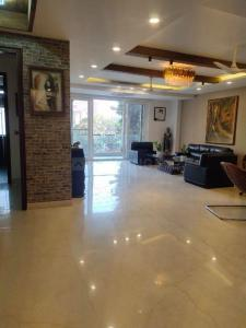 Gallery Cover Image of 4500 Sq.ft 4 BHK Independent Floor for buy in Sushant Tower, Sector 56 for 22000000