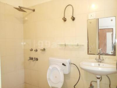 Gallery Cover Image of 2152 Sq.ft 2 BHK Apartment for rent in Sector 52 for 18500