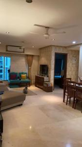Gallery Cover Image of 1100 Sq.ft 2 BHK Apartment for buy in Raj Classic, Andheri West for 34000000
