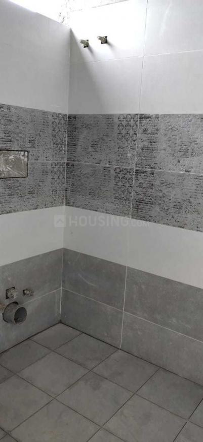 Common Bathroom Image of 1674 Sq.ft 3 BHK Apartment for buy in Serilingampally for 8200000