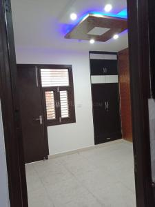 Gallery Cover Image of 550 Sq.ft 2 BHK Independent House for buy in Dwarka Mor for 2000000