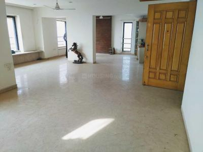 Gallery Cover Image of 5250 Sq.ft 5 BHK Apartment for rent in Bandra West for 450000
