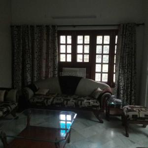 Gallery Cover Image of 2200 Sq.ft 3 BHK Apartment for rent in Jangpura for 55000