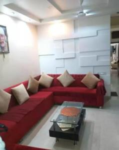 Gallery Cover Image of 1700 Sq.ft 3 BHK Apartment for rent in Ballygunge for 55000