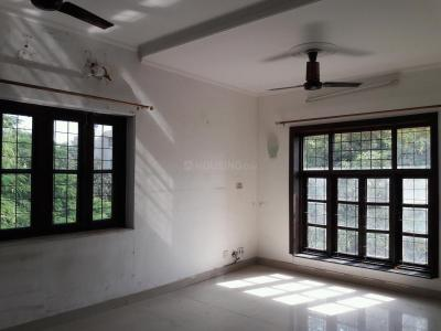 Gallery Cover Image of 1050 Sq.ft 2 BHK Apartment for rent in Vasant Kunj for 40000