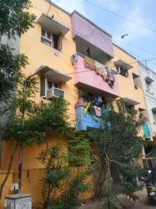 Gallery Cover Image of 870 Sq.ft 2 BHK Apartment for buy in Vadapalani for 3520000