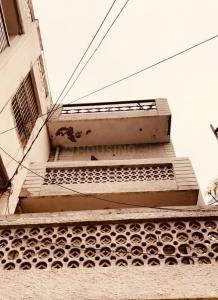 Gallery Cover Image of 500 Sq.ft 1 RK Independent House for rent in Malka Ganj for 10000