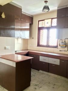 Gallery Cover Image of 1800 Sq.ft 3 BHK Apartment for rent in Sector 5 Dwarka for 34000