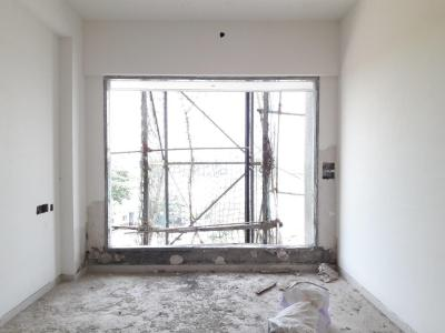 Gallery Cover Image of 650 Sq.ft 1 BHK Apartment for buy in Malad West for 8200000