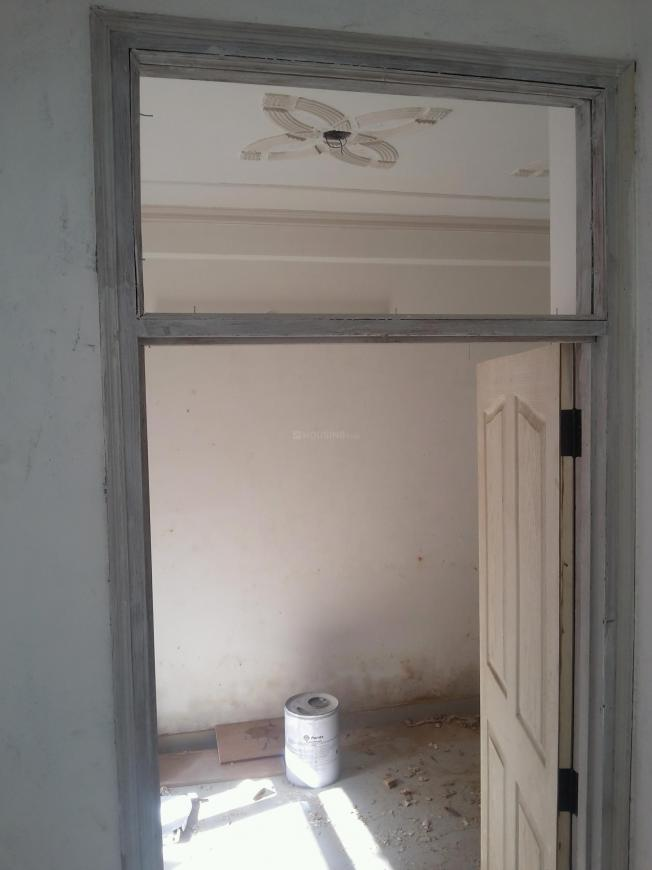 Main Entrance Image of 450 Sq.ft 1 BHK Independent Floor for buy in Chhattarpur for 1750000