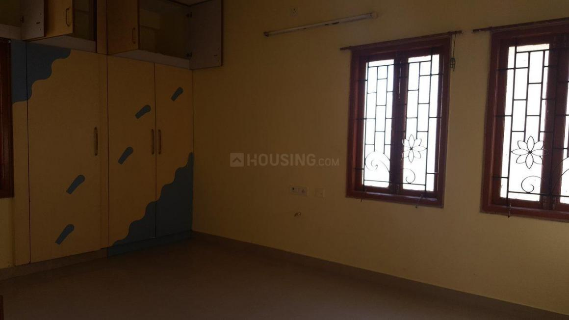 Bedroom Image of 3000 Sq.ft 3 BHK Independent House for buy in Kottivakkam for 13500000