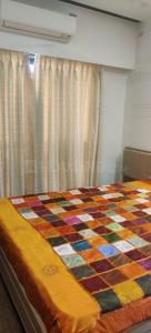 Gallery Cover Image of 570 Sq.ft 1 BHK Apartment for rent in Bhawani Tower, Andheri East for 24000