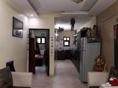Gallery Cover Image of 756 Sq.ft 2 BHK Independent Floor for buy in Shalimar Bagh for 7000000