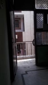 शकरपुर खास  में 6500000  खरीदें  के लिए 6500000 Sq.ft 6 BHK इंडिपेंडेंट हाउस के गैलरी कवर  की तस्वीर