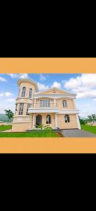 Gallery Cover Image of 4000 Sq.ft 6 BHK Villa for rent in Cosmos Hawaiian, Thane West for 160000
