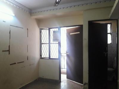 Gallery Cover Image of 300 Sq.ft 1 RK Apartment for rent in Katwaria Sarai for 7000