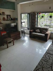 Gallery Cover Image of 800 Sq.ft 2 BHK Apartment for buy in Vile Parle West for 25000000